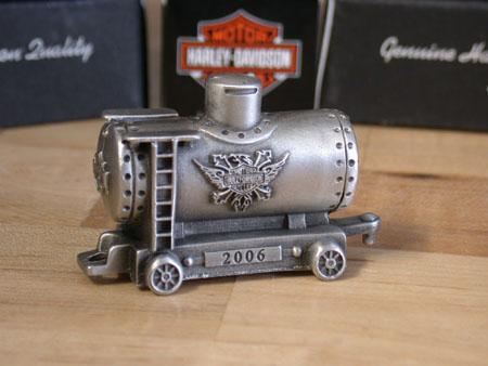 06 HD Pewter Box Car
