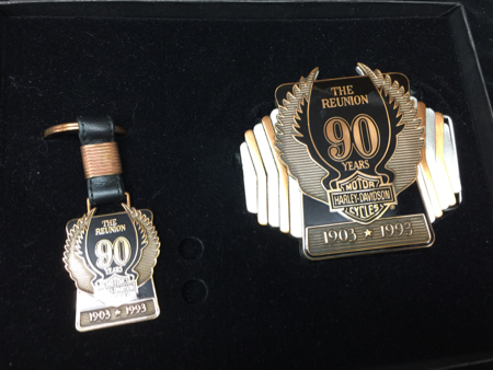 90th Anniversary Buckle Pin set