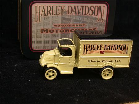 !926 Harley Davidson Mack Truck