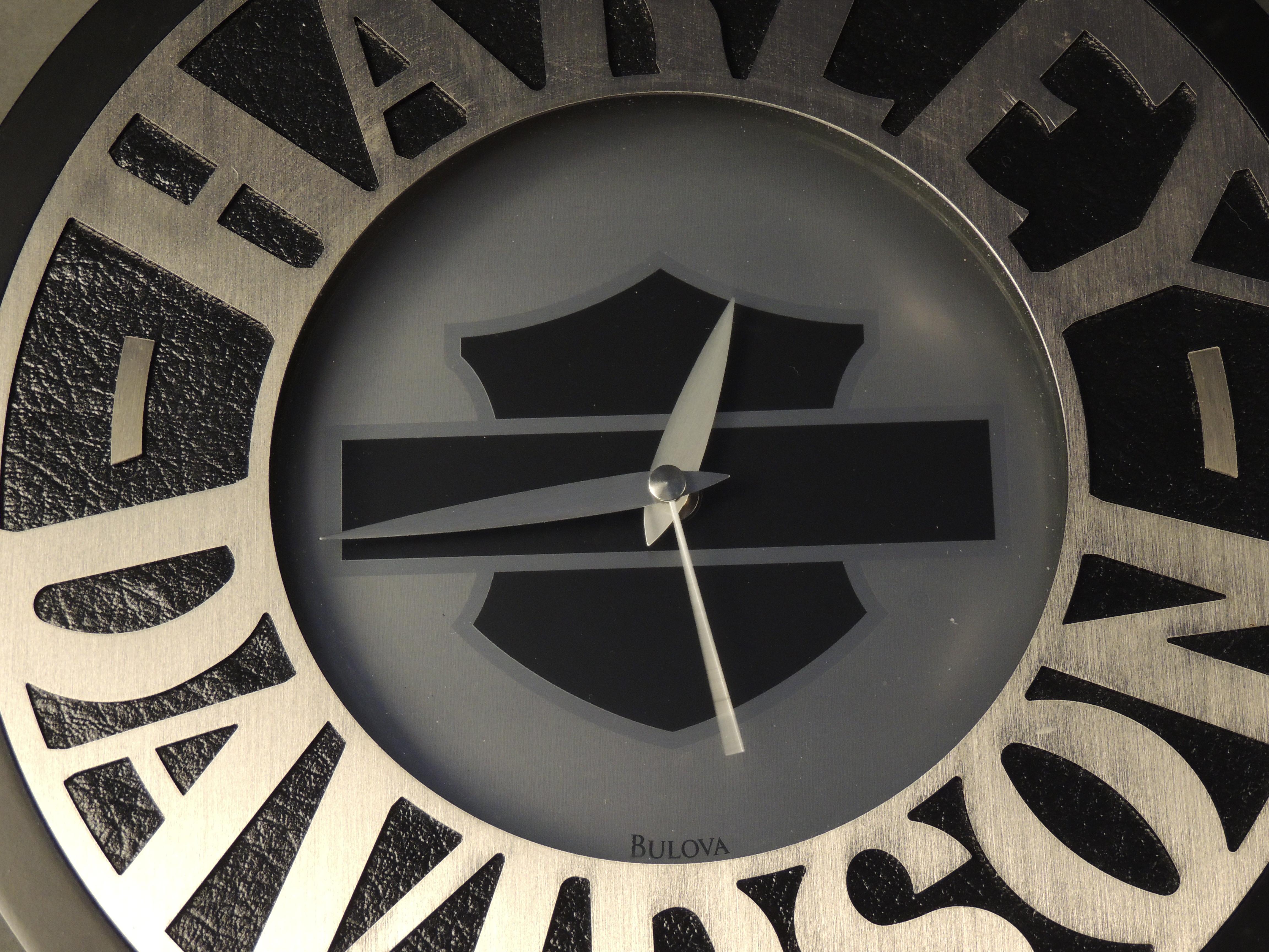 """Harley Davidson 2001 Clock 12\"""" Round"""