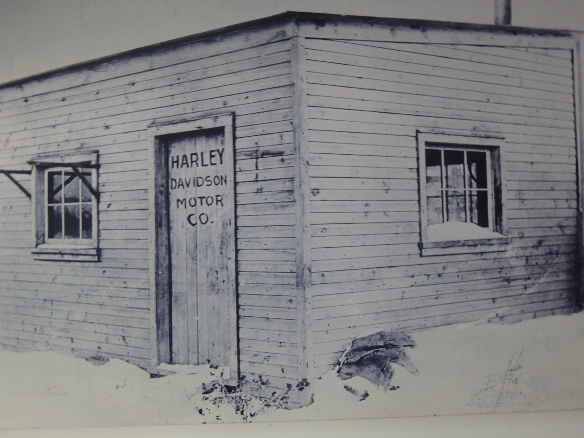 Harley Davidson Dealer only Archive Huge Picture