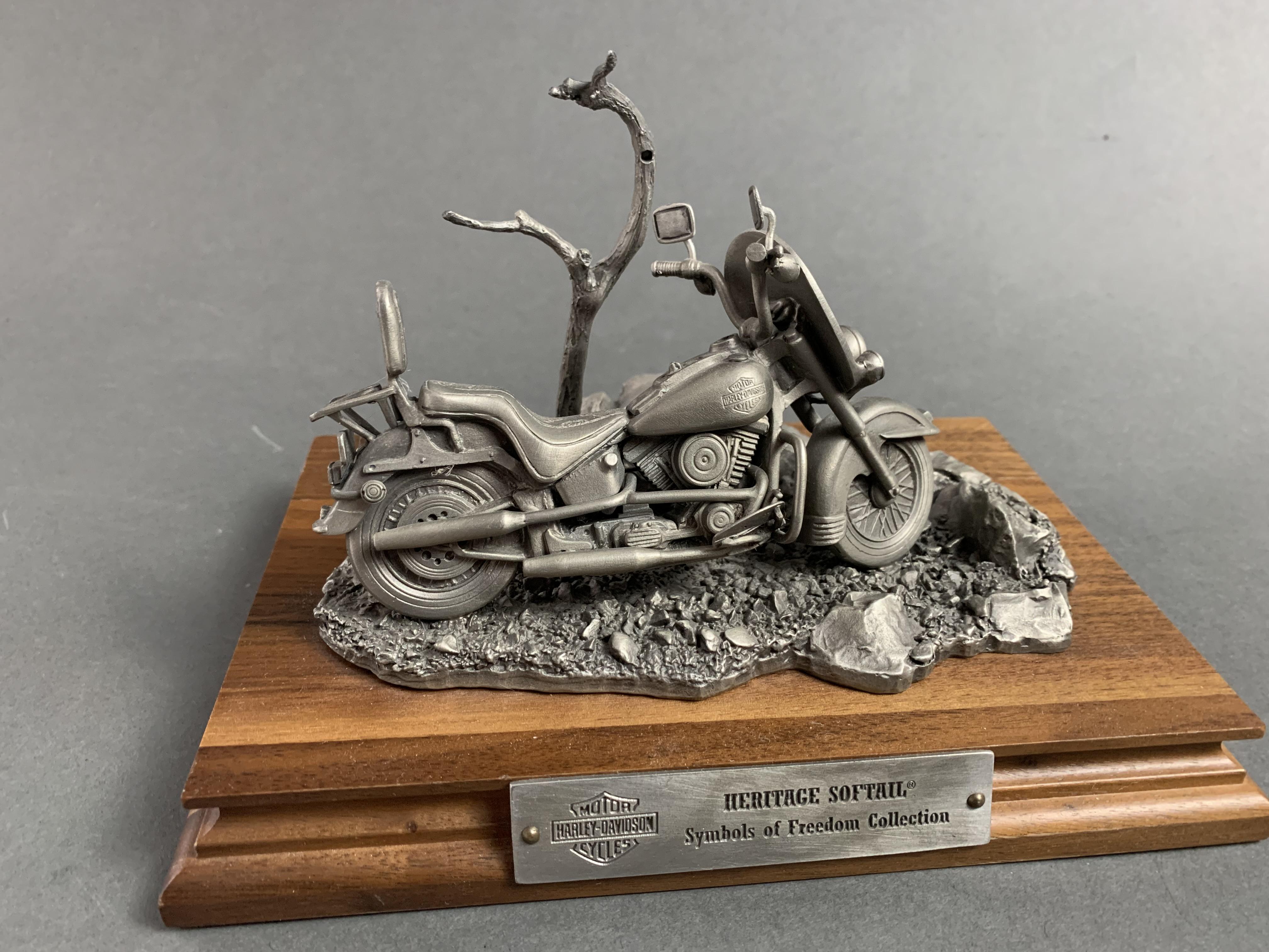 Harley Davidson Pewter Softail Heritage Collection (AP)