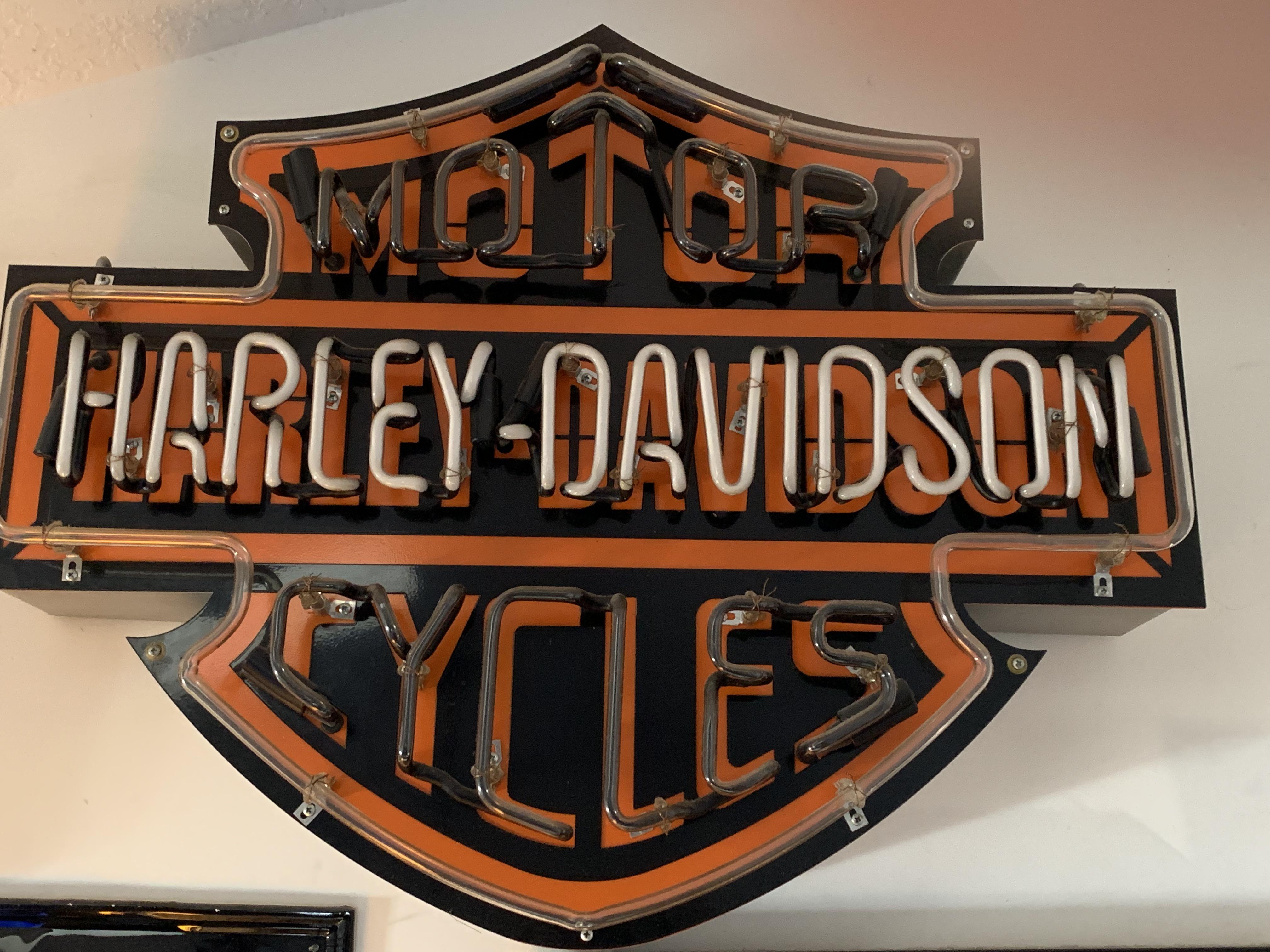 HARLEY DAVIDSON DEALERSHIP NEON SIGN