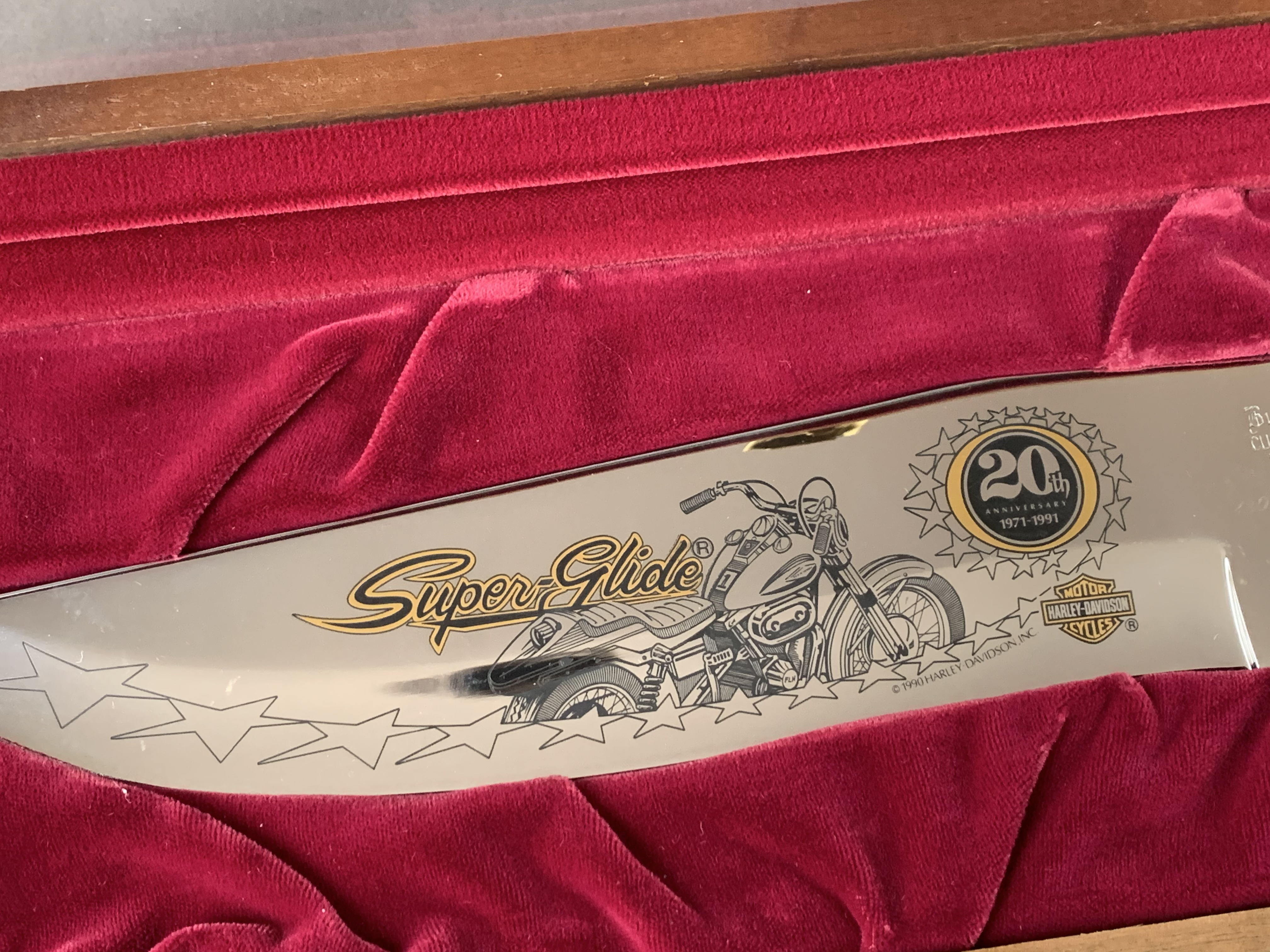 Harley-Davidson  knife commemorating   the 20th Anniversary of the superglide